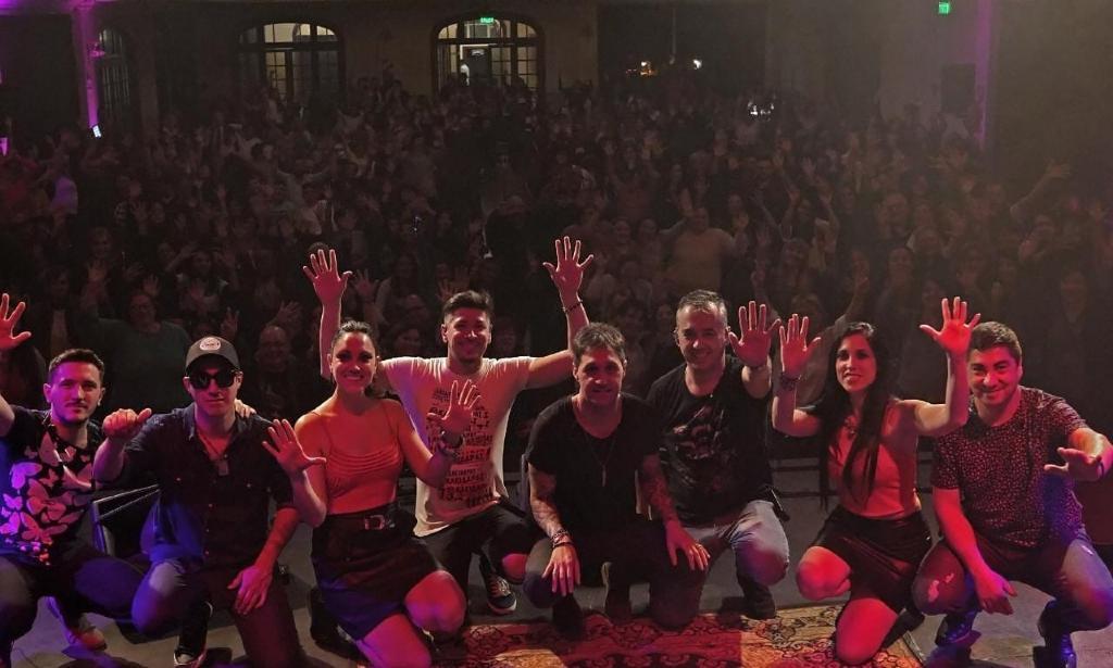 Fabricio Rodríguez combinó con sapiencia el folklore con el rock en la Sala Siranush - FolkloreCLUB ...nada más que lo nuestro!
